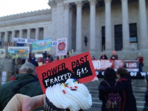 Power Past Fracked Gas Cupcakes for Gov. Inslee's Birthday.